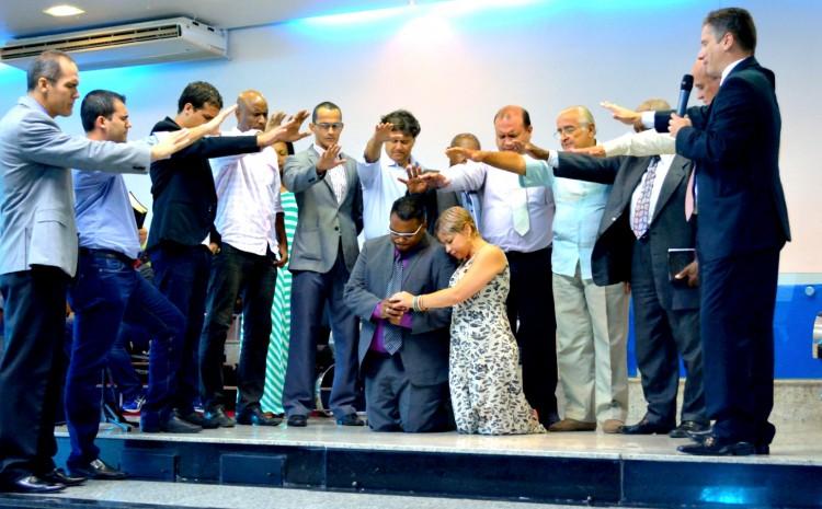 17 A imposicao de maos sobre o novo Ministro do Evangelho